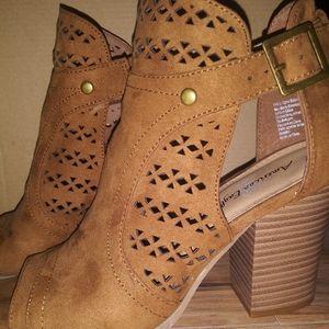 Lady's sandal
